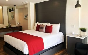 Hotels in wellington ontario